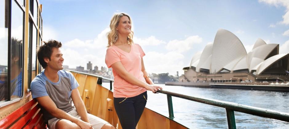 Sydney: City Tour, Sea Life Aquarium, Sydney Tower Eye with 4D Experience & Sydney ShowBoat Cruise