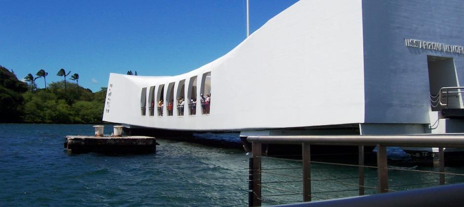 Oahu Island: Grand Circle Island Tour with Sightseeing