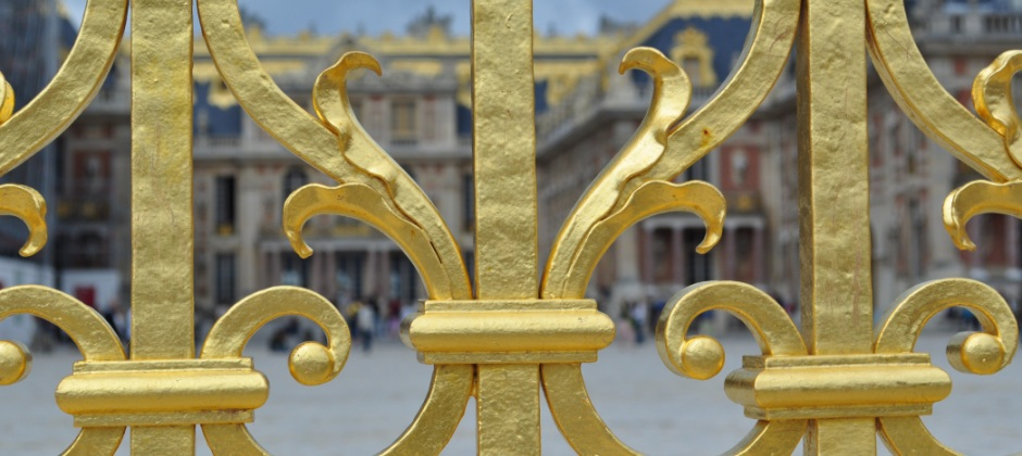 Paris: Versailles Tour (4hrs) & Night Lido Show (2hrs)