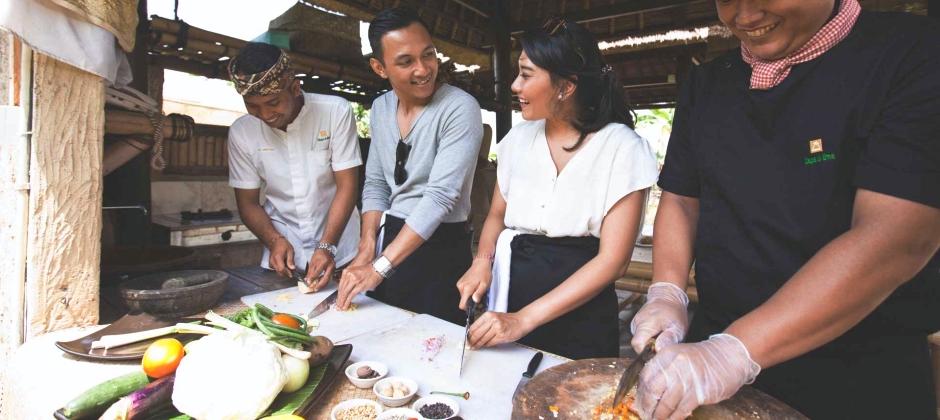 Bali: Full Day Yoga Class Lesson At Wapa Di Ume And Balinese Cooking Class At Plataran Canggu (OPTIONAL)